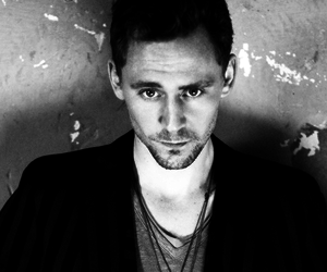 tom hiddleston, Hot, and sexy image