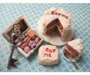 eat me and key image