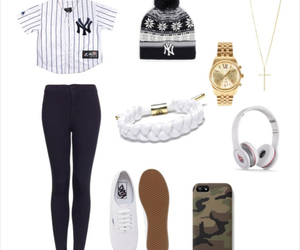 beanie, casual, and chic image