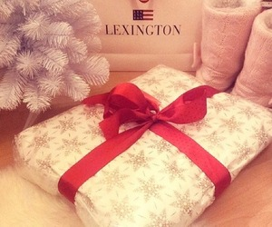 lexington, gift, and pink image