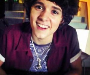 perfect boyfriend, the vamps, and bradley simpson image