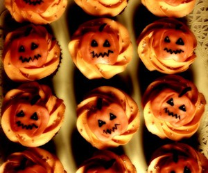 Barcelona, cupcake, and Halloween image