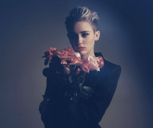 miley cyrus, miley, and rose image