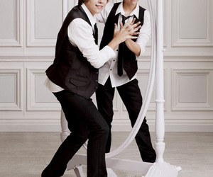 boy and dylan sprouse image