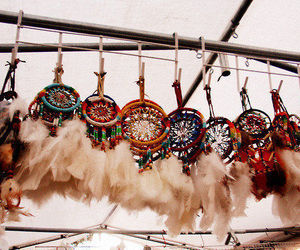 dreamcatcher, feathers, and pretty image