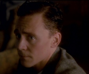tom hiddleston and the deep blue sea image