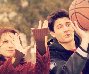 one tree hill, love, and Basketball image