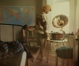girl, room, and vintage image