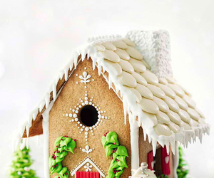 gingerbread house food image