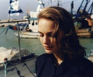 natalie portman and boat image