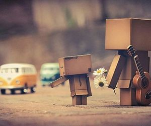 danbo, Fleurs, and guitare image