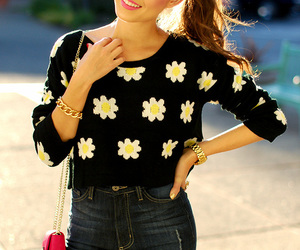black, clothes, and daisies image