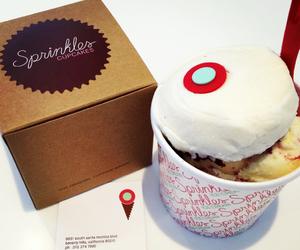 cupcake, sprinkles cupcake, and cupcakes image