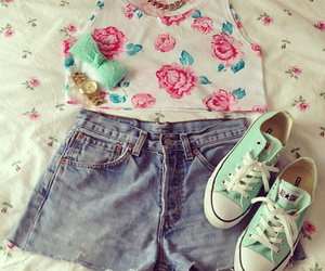 clothes, converse, and green image