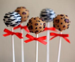 cake pops and zebra image
