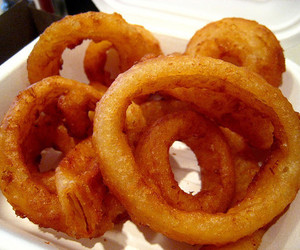 food and onion rings image