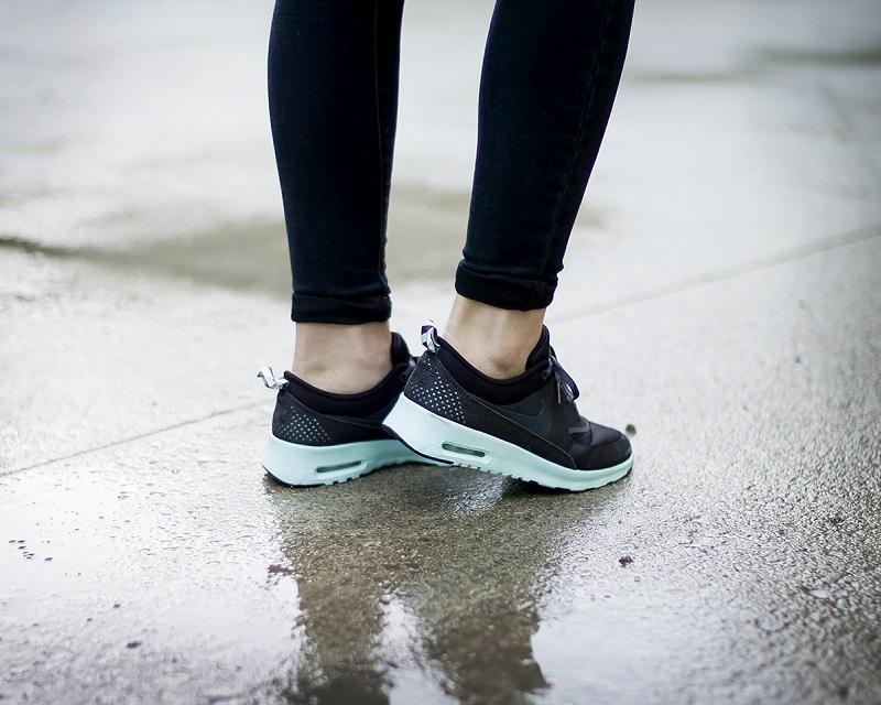Nike Wmns Air Max Thea, Damen Sneakers: : Schuhe