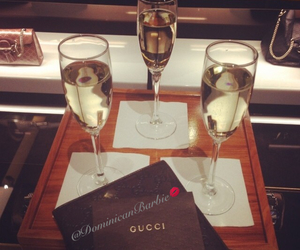 champagne and fashion image