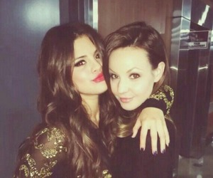 selena gomez and samantha droke image