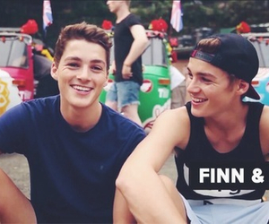 jack harries, finn harries, and twins image