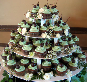 Bride Ca Wedding Cupcakes 101 Cupcake Wedding Cake Ideas