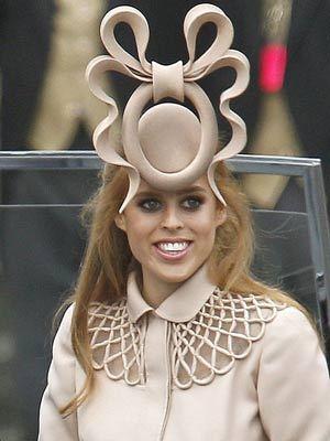https://data.whicdn.com/images/9394996/princess-beatrice-hat-ugly-prince-william-kate-middleton-royal-wedding-british-pink-uk-england-weird_large.jpg