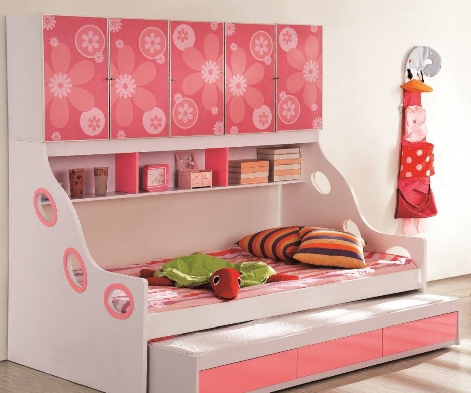 Incroyable Cute Pin White Floral Decoration Kids Beds With Storage Finished With  Additional Bedding Unit With Pink Cabinet Design