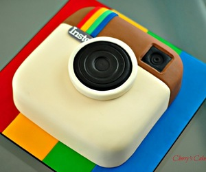 cake and instagram image
