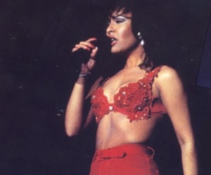 selena quintanilla and Queen image