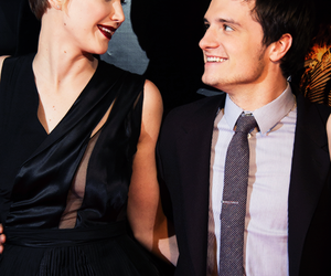 Jennifer Lawrence, josh hutcherson, and dovatts image