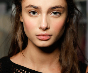 model, beauty, and taylor hill image