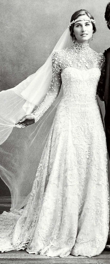 Vintage Wedding Dress discovered by Kelley Dupre