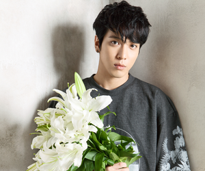 cnblue, yonghwa, and flowers image