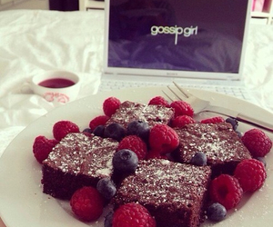 brownie, delicious, and strawberries image