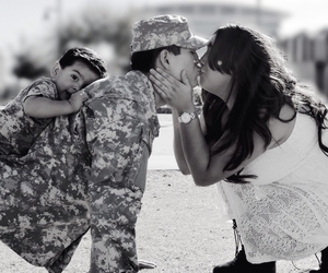 army, family, and kiss image