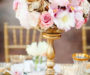 centerpiece, rose, and wedding image