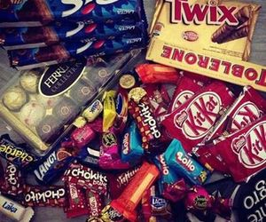 chocolate, food, and Twix image