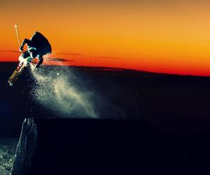 nieve, sunset, and Skiing image
