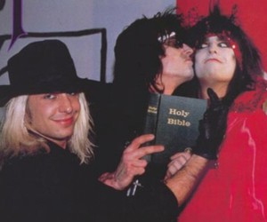 motley crue, rock n roll, and 80's image
