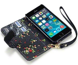 wallet case, iphone 5s case, and flower iphone case image