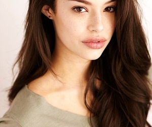 chloe bridges image