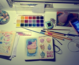 cupcake and paint image