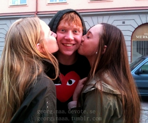 harry potter, kiss, and ron weasley image