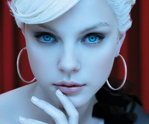 Jessica Stam, model, and blue eyes image