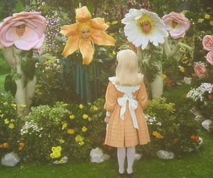 flowers, vintage, and girl image