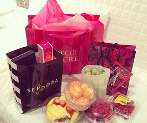 pink, shopping, and victoria secret image