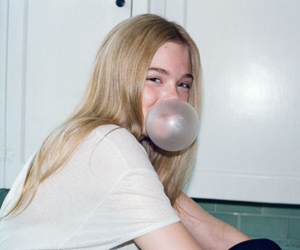 blonde, bubble gum, and girl image