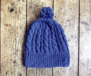 bobble hats, uk, and woolly hat image