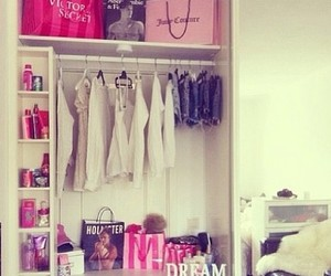clothes, room, and pink image