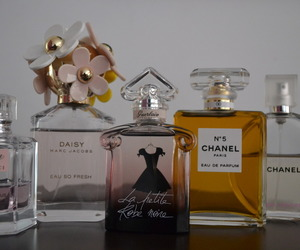 chanel, chanel no 5, and clasic image